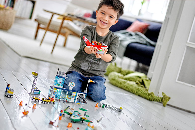 Lego Juniors with suitable novelties for the holiday season